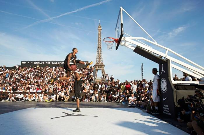 quai-54-jordan-nike-2015-basketball-dunk2