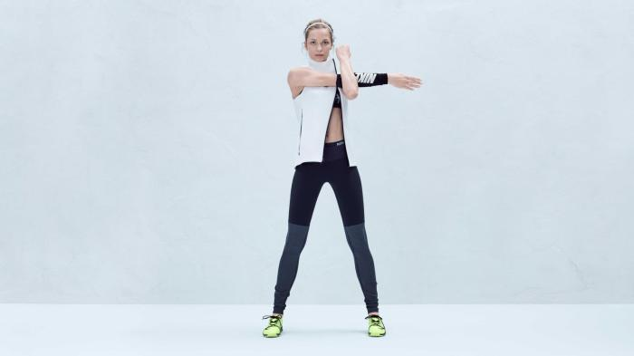 NikeWomen_FA15_Lookbook_nike_ther_sphere_max_training_vest